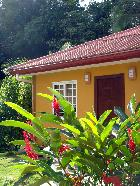 Panama Bed and Breakfast with tennis court and pool